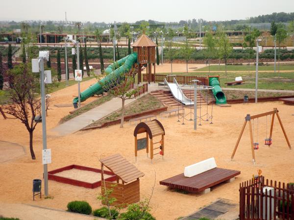 Una nueva zona infantil en el parque del agua de zaragoza - Mobiliario infantil zaragoza ...