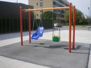 Maderplay concluye las obras de adaptación de tres parque infantiles en Sarriguren